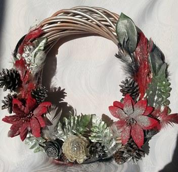 Weihnachtskranz aus Weide – handgemacht